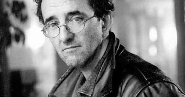 """""""Déjenlo todo, nuevamente""""  por Roberto Bolaño."""