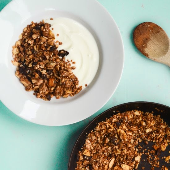A Feast For The Eyes | 10 Minute Healthy Granola