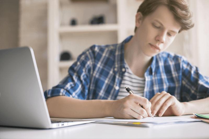Bisnis Online yang Cocok untuk Anak SMA