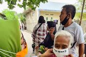 Task Force Ambulance GuDeK SALAM Masifkan Pembagian Masker di Kota Mataram