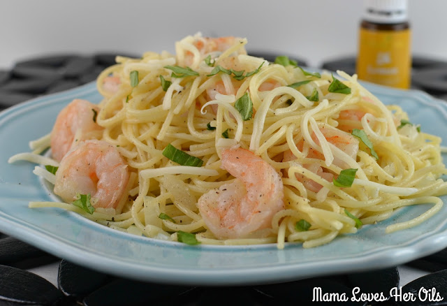 Easy to make, essential oil infused and delicious! The perfect weeknight dinner! Lemony Basil Shrimp Pasta Recipe from Mama Loves Her Oils!