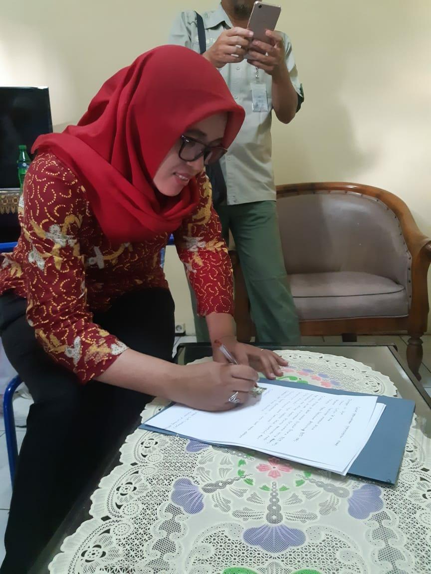 Didatangi FPI, Kebun Binatang Surabaya Minta Maaf Namai Bayi Unta Aminah