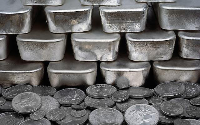 http://1.bp.blogspot.com/-AGYql8OVhWA/Vq46z835rfI/AAAAAAAAIxk/M0zo3G19BwA/s1600/silver-coins-bars22.jpg