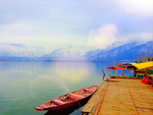 Srinagar: Historic gardens and beautiful houseboats