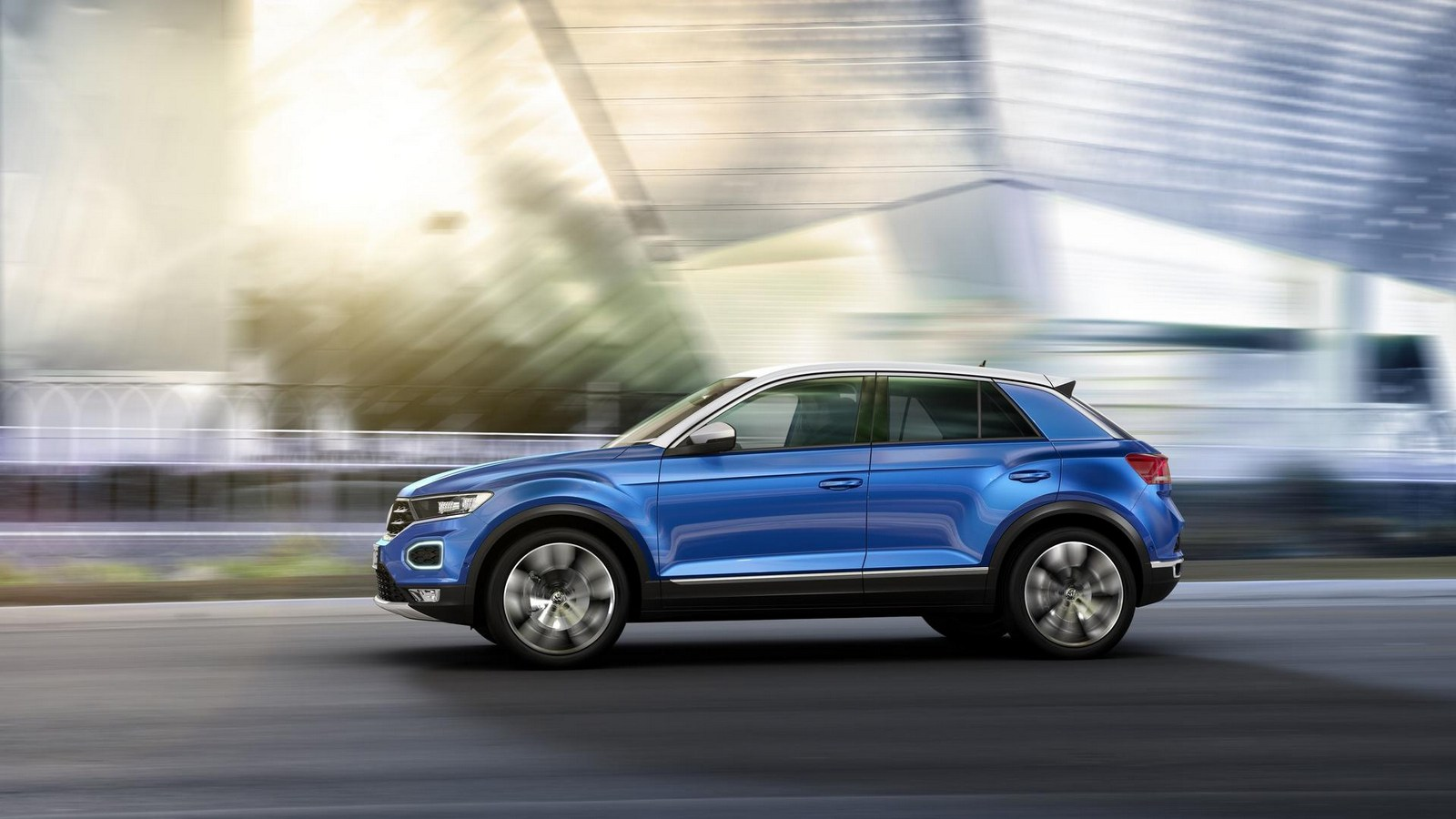 volkswagen 39 s t roc looks to rock the compact crossover market carscoops. Black Bedroom Furniture Sets. Home Design Ideas