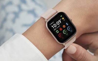"""إصدار جديد ومواصفات عالية من ساعة """"زد تي إي"""" الذكية"""