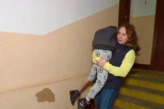 Муж выгнал соседку с маленьким ребенком в 2 часа ночи. Я пустила…