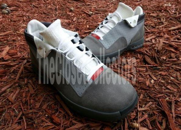 """713818a38984a 2013-2014 Air Jordan XVI Low """"Stealth"""" Unreleased Sample Sneaker"""