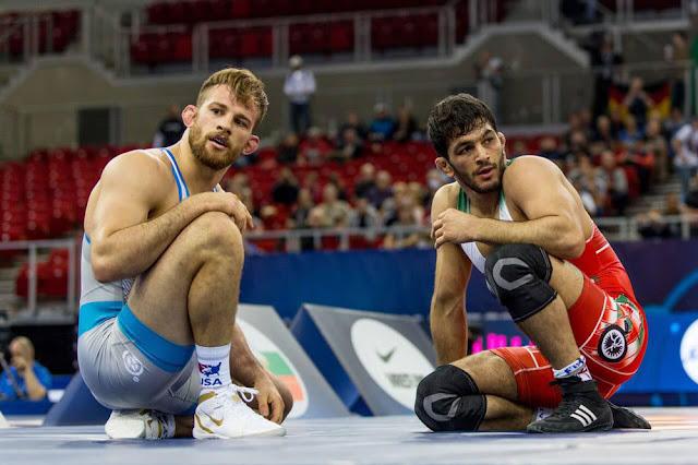 Hassan Yazdani David Taylor Wrestling Irã e EUA