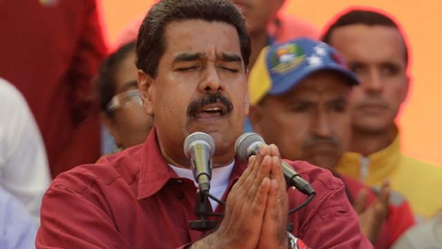 Detrás del diálogo: analistas explican cómo Maduro gana tiempo en el poder