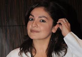 Pooja Bhatt, Biography, Profile, Age, Biodata, Family, Husband, Son, Daughter, Father, Mother, Children, Marriage Photos.