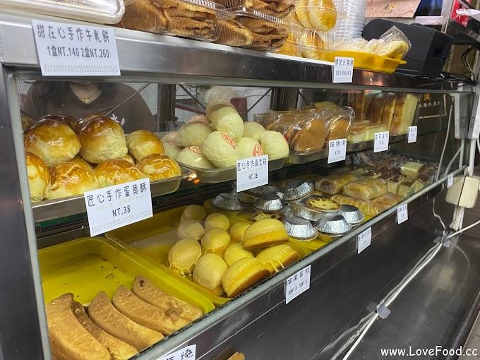 高雄新興-老江紅茶牛奶-70年傳承 除了飲品 各式西點麵包也是賣點-lao chiang