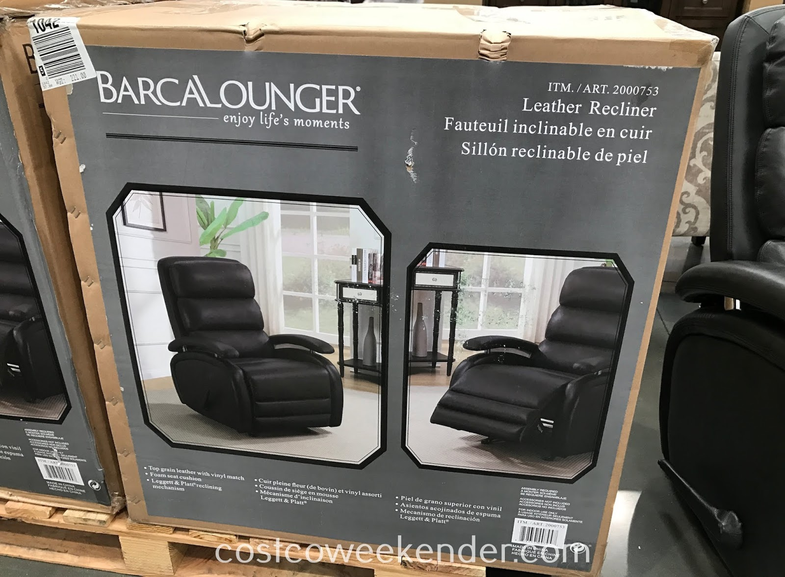 Barcalounger Leather Recliner: great for your living room or family room
