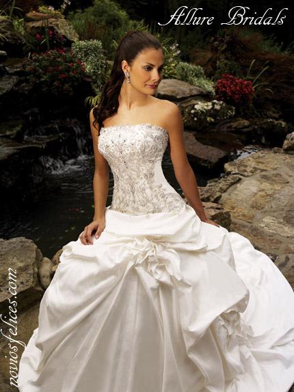Imagenes de vestidos de novia 2012