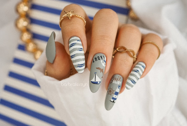 Wakacyje paznokcie w marynarskim stylu