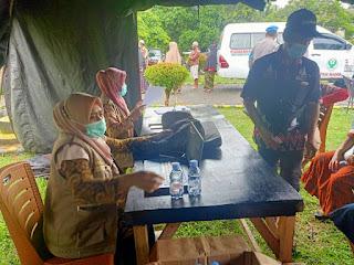 Antusiasme Masyarakat Maiwa Ikuti Pelaksanaan Gerai Vaksinasi Di Halaman Mako Polsek Maiwa