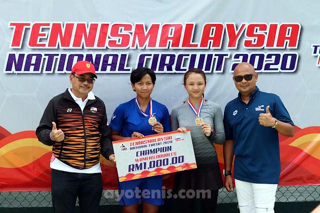Duo Gadis Cantik Juara di Malaysia