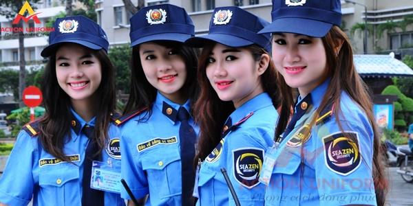 Đồng phục bảo vệ màu xanh