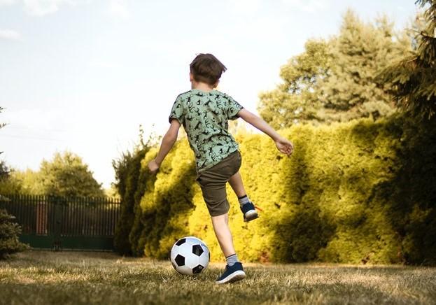 Hoe creëer je je kind atletisch en wat is het belang van kinderen die sporten?
