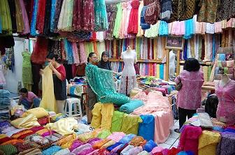 Belilah Kain Di Pasar Tradisional Agar Kebaya Dibuat Murah Tapi Bagus