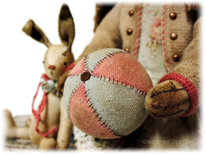 prim fabric ball