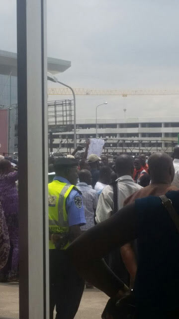 Aero Contractors staff protest over non-payment of salary, sack