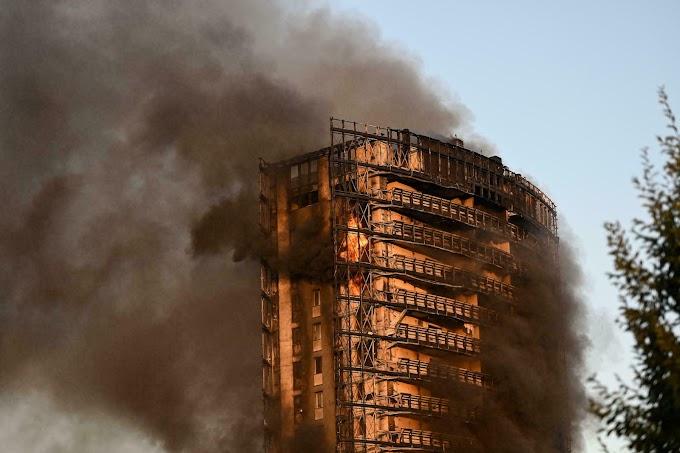 (VIDEO) Fire Devours A Twenty-Story Building In Milan...