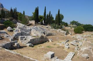 Odeón Romano y Teatro de Corinto.