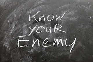 حكم عن العدو والعداوة