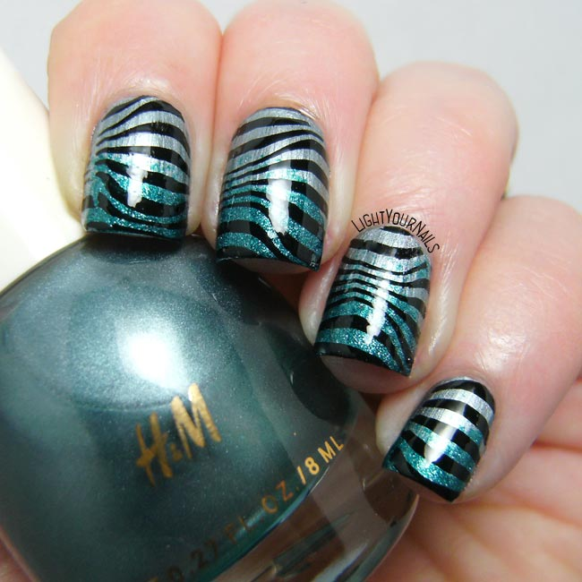 Glittery blue zebra nail stamping nail art feat. H&M Silver Fern and Geometry BPX-L020 stamping plate