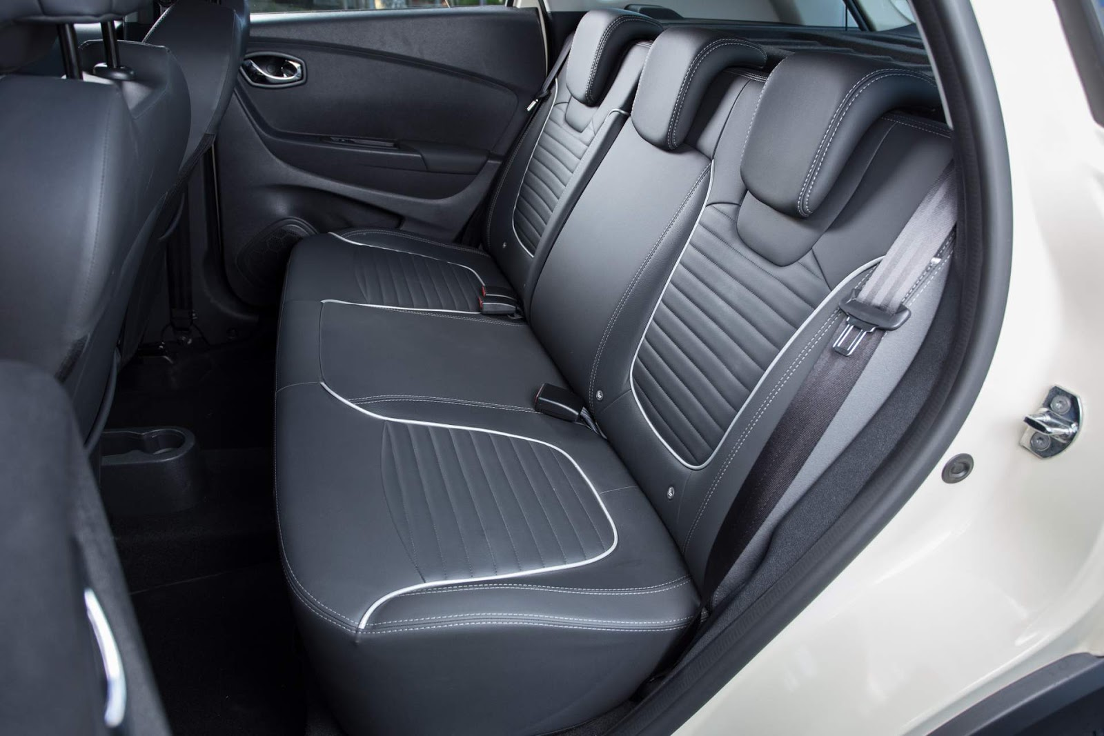 100 renault captur interior 2017 facelifted renault for Interior renault captur