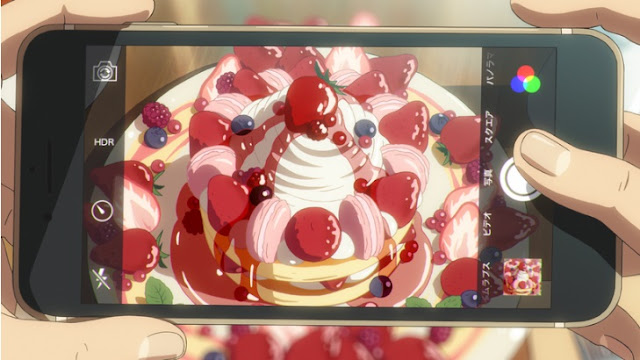 瀧(中身は三葉)が思わず撮影したパンケーキ