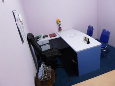 Desain Meja Kantor Ruang Direktur + Furniture Semarang