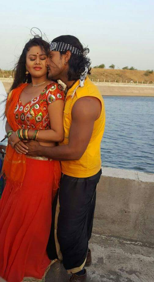 Tanushree, Khesari Lal Yadav ON Set of Jwala Bhojpuri Film Shooting photo