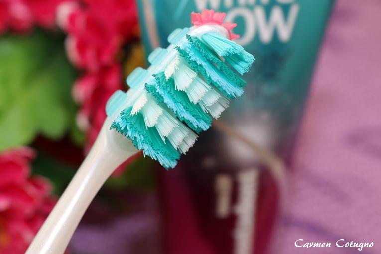 spazzolino-denti-guance