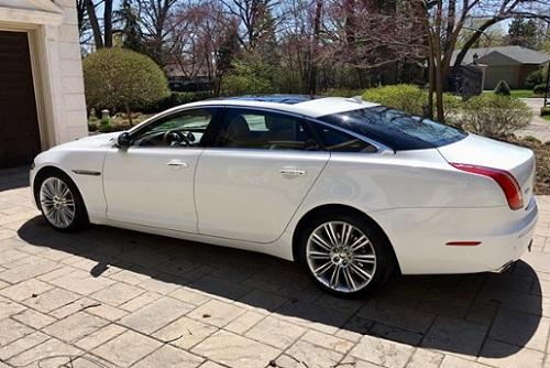Pricing of Jaguar XJ Car limited