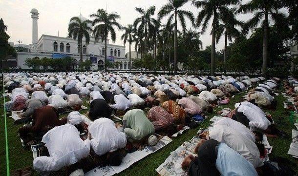 Mengapa Allah Tidak Menjadikan Semua Manusia Sebagai Muslim? Ini Penjelasan Dari Dr Zakir Naik