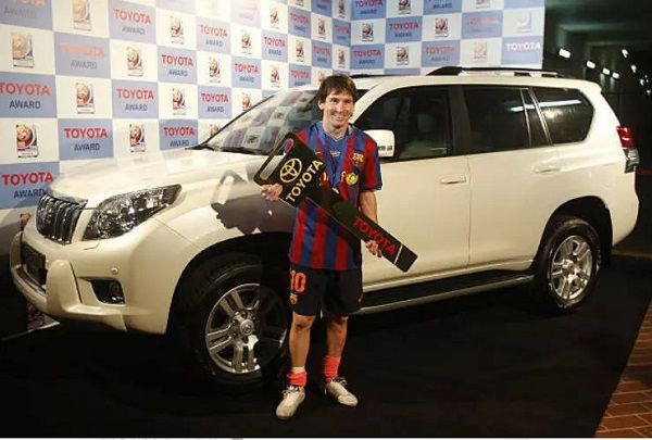Lionel-messi-car-collection-Toyota-gives-out-the-Land-cruiser-Prado-to-Leo-Messi