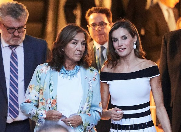Queen Letizia wore Carolina Herrera Striped Off The Shoulder Knit Dress and Carolina Herrera sandals