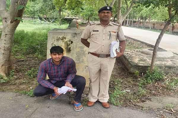 faridabad-crime-branch-sector-56-arrested-hathiyar-supplier