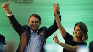 """خلال مخاطبته حشدًا.. الرئيس البرازيلي: """"أؤمن بالرب يسوع كمخلص لي والبرازيل ملك لله"""""""