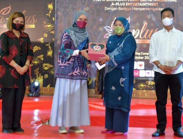 Buka A Plus Kepri Batik Met Gala 2021, Wagub Kepri Ajak Memperkenalkan dan Melestarikan Batik