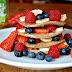 Pancakes o Tortitas con Plátano y Frutos Rojos