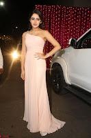 Sayesha Spicy Half Shoulder Cream Gown at Zee Telugu Apsara Awards 2017 15.JPG