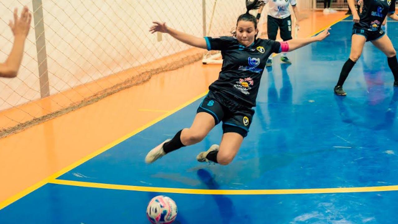 Em estreia, Futsal feminino de Botucatu perde para Jaú, mas marca 2 gols
