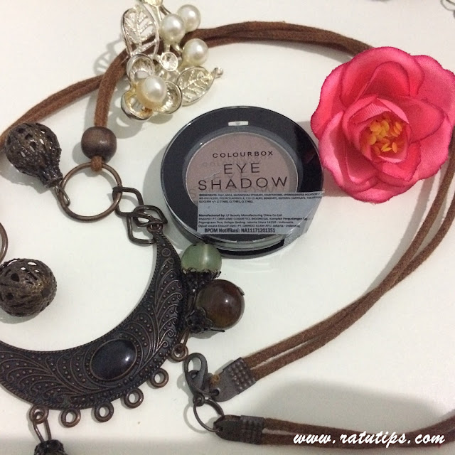 Review Colourbox Eye Shadow Oriflame, Wajah Semakin Cantik dan Bersinar!