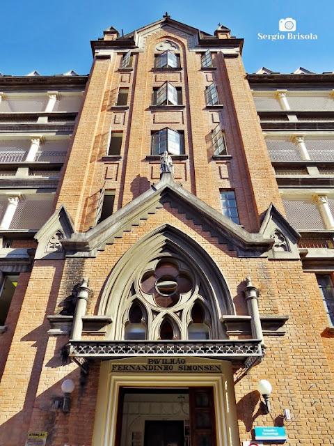 Perspectiva inferior do Pavilhão Fernandinho Simonsen - Santa Casa SP - São Paulo