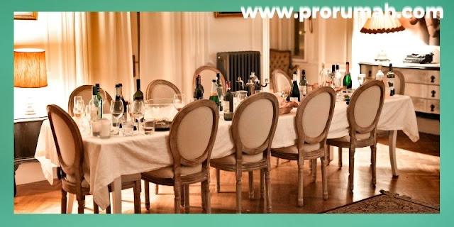 Furniture & Property Untuk Hunian Modern - set meja makan dengan warna serasi