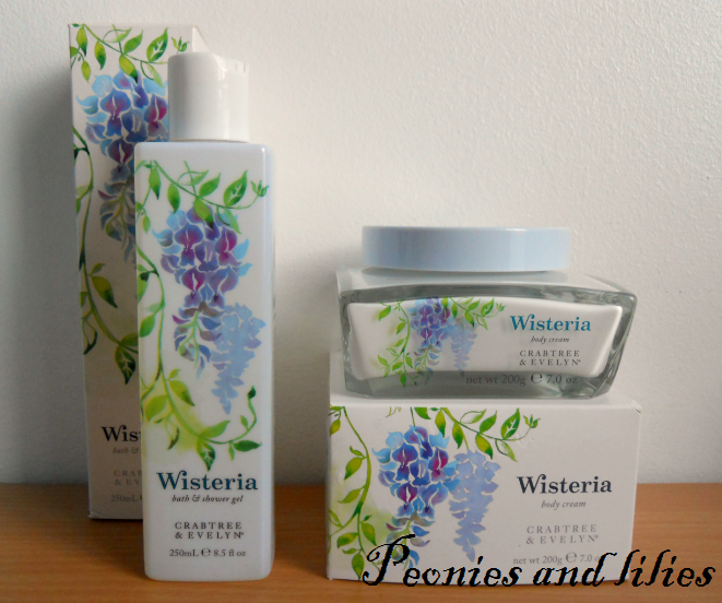 Crabtree and evelyn, Crabtree and evelyn wisteria, Crabtree and evelyn wisteria shower gel, Crabtree and evelyn wisteria shower gel review, Crabtree and evelyn wisteria body cream, crabtree and evelyn wisteria body cream review, peonies and lilies