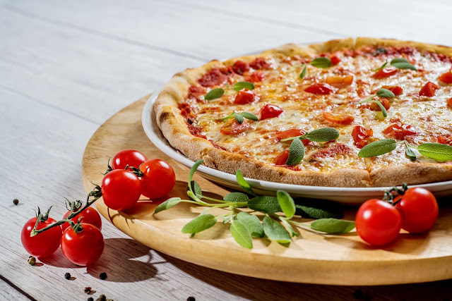 story on pizza, Pizza Plate, Food, Cheese Lunch, Vegetables, Italian pizza stories